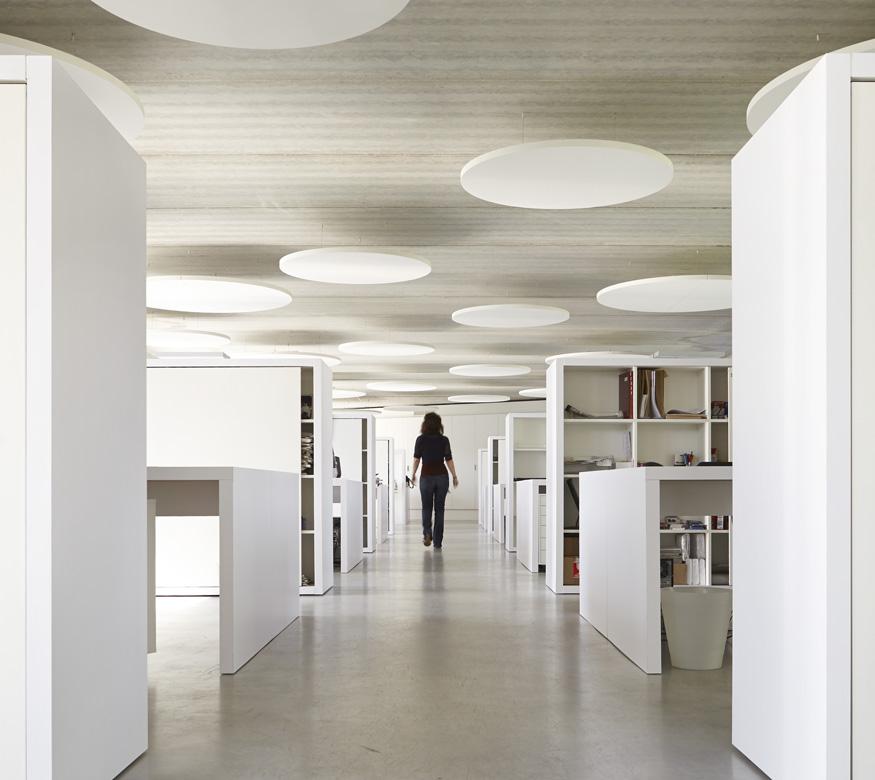 agence toa architectes strasbourg îlots acoustiques béton brut épuré contemporain
