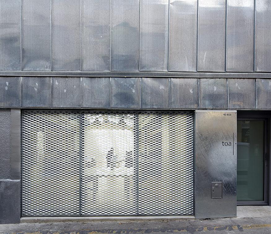 détail de façade zinc, acier, enduit métallisé TOA architectes associés