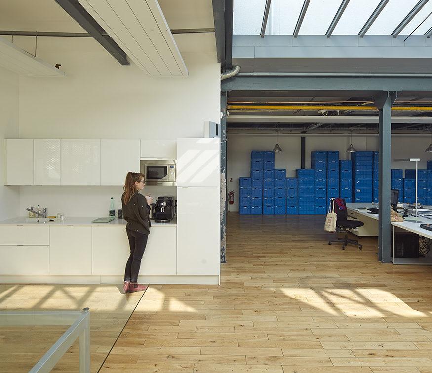 cuisine design loft agence bois open space TOA architectes associés