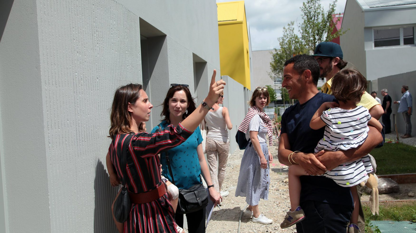 TOA architectes Folies Lormont - visite des futurs locataires