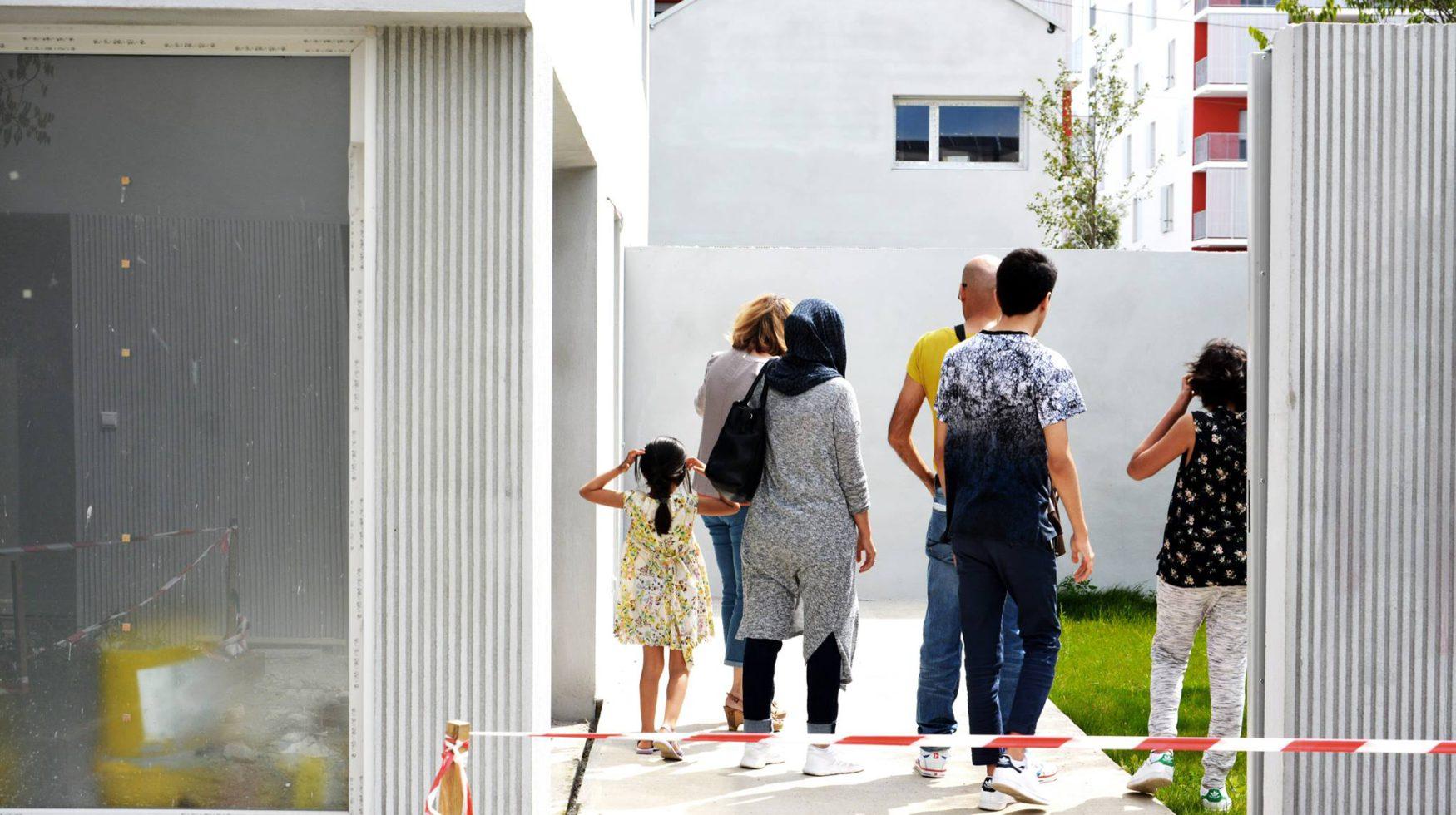 TOA architectes Folies Lormont - visite des futurs locataires-jardin